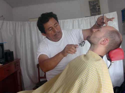 Peru: At the barber shop