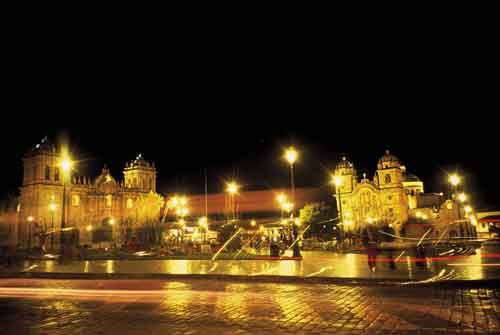 Peru, Cusco: Plaza de Armas at night
